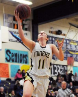 Nevada Union's Sydney Porter scored 32 points, including six 3-pointers, in Tuesday's, 70-57, league clinching win over Del Oro.