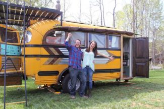 Tiny house big living show looking for cast members on for Hgtv cast members
