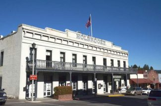 "On Monday, a new episode of ""Hotel Impossible"" revisits the Holbrooke with an undercover team to see if Grass Valley's historic hotel has changed its ways since the original broadcast."