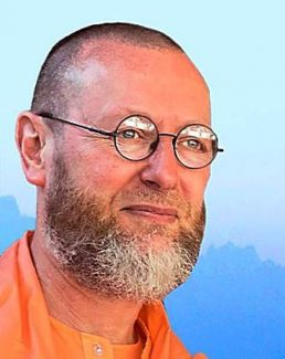 Swami Atmananda offers 3 satsangs in Grass Valleu May 23-25