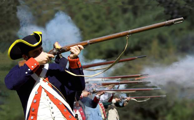 Revolutionary War reenactments in Pioneer Park this weekend