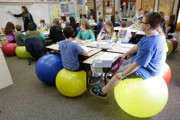 Teachers Ditch Student Desk Chairs For Yoga Balls Theunion Com