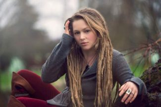 Idol runner up Crystal Bowersox plays Sunday in Grass Valley