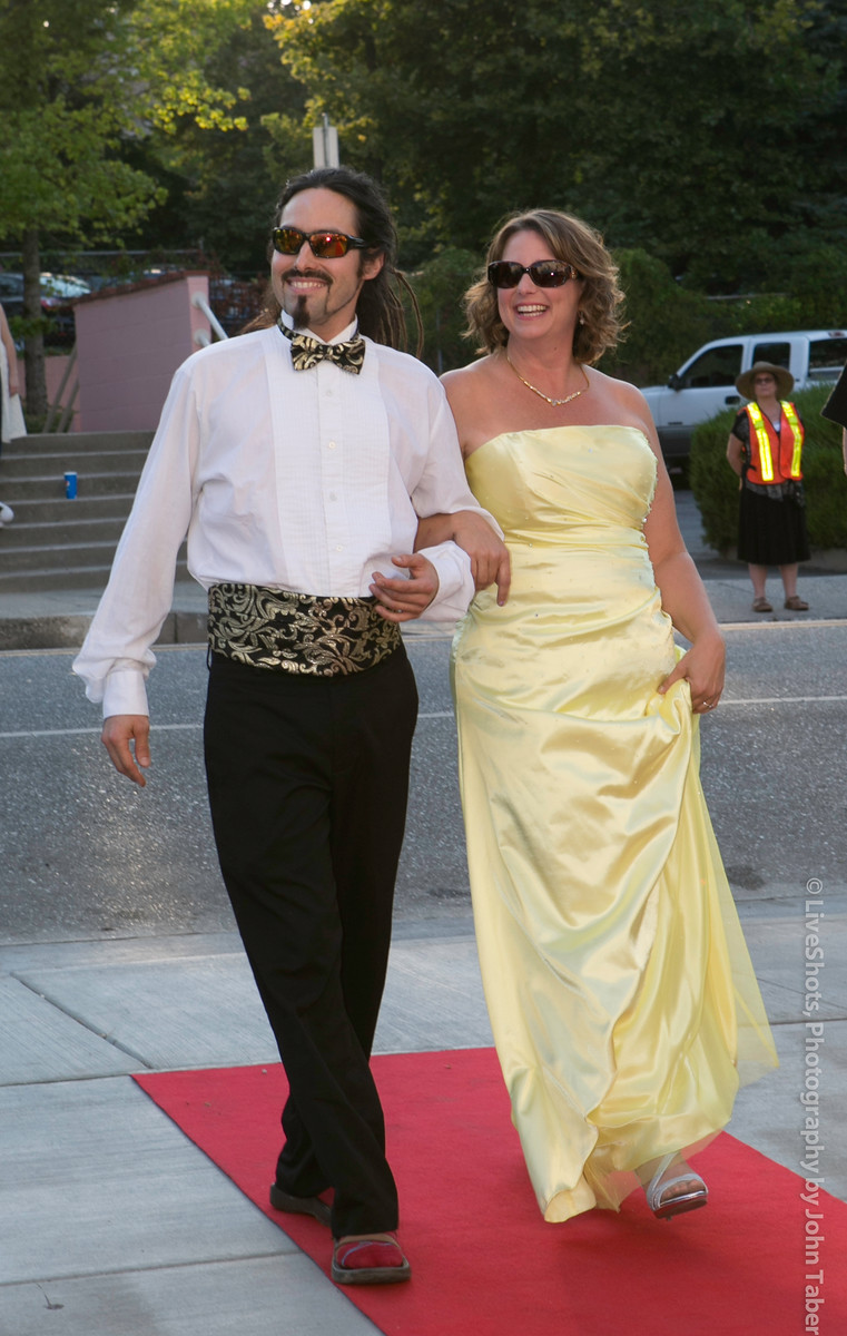 Walk the red carpet in style  at Dancing With Our Stars. Photo by John Taber