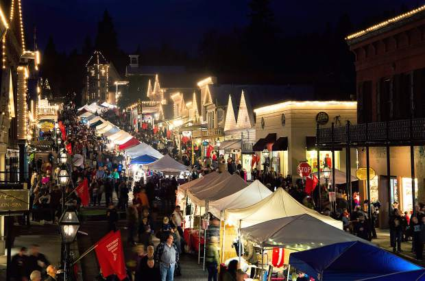 Pulling Off The Victorian Christmas In Nevada City Theunion Com