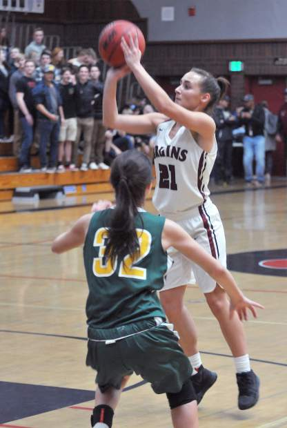 Bear River senior Katelyn Meylor pulls up for a shot on basket.