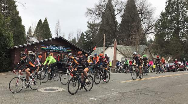 Cyclists in the Jim Rogers Memorial Ride Sunday chose between a 15 mile loop or a 6-mile ride in honor of Rogers, who died in 2010 while cycling.