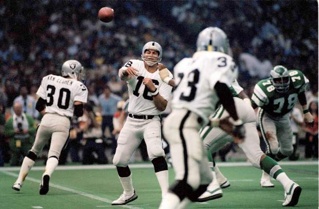 Jim Plunkett (16) quarterback for the Oakland Raiders in Super Bowl XV at the Louisiana Superdome in New Orleans against the Philadelphia Eagles, Jan. 25, 1981. The Raiders won 27-10.