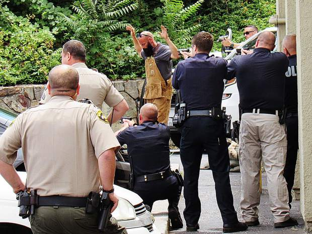 2 arrested in downtown Grass Valley after police chase