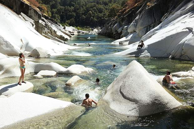 Folks enjoy a day in the waters of the South Yuba River at Hoyt's crossing.