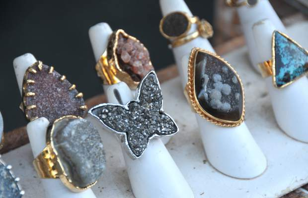 Unique handcrafted jewelry by ZADA, uses precious gems, crystals and other stones in all types of designs ranging from earrings, necklaces and rings.