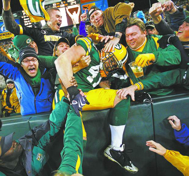 Spencer Havner caught five touchdowns during his time with the Green Bay Packers. Here he celebrates one with the Lambeau Leap.