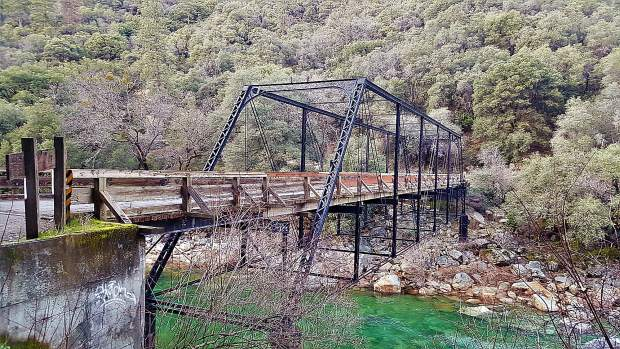 The hike between Purdon and Edwards Crossings is about five miles, taking hikers along the rocky shores of the Yuba River.
