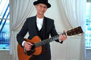 Terry Robb and his 19 Best Acoustic Guitar awards play KVMR's intimate Community Room Sunday