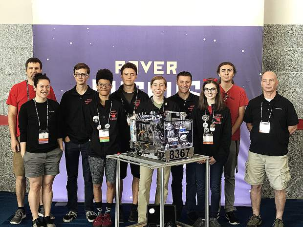 ACME competed at the World Championships in Houston. The team finished out the tournament as a Control Award finalist: Top software control in the world! The team completed the tournament with a 6-3 record.