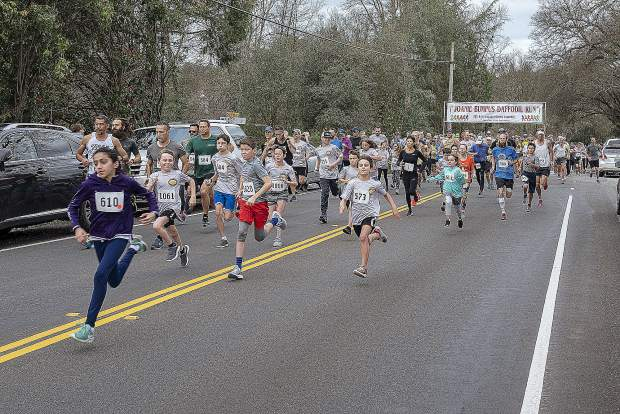More than 200 runners and walkers participated in the 19th annual Joanie Bumpus Daffodil Run held at Western Gateway Park in Penn Valley, Sunday morning.
