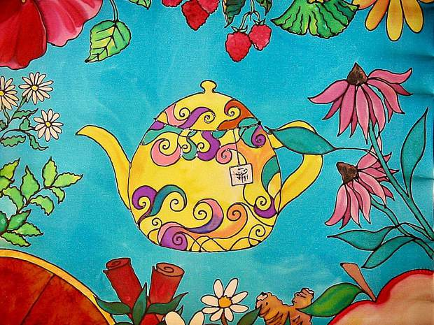 A teapot, in honor of the tea party theme.