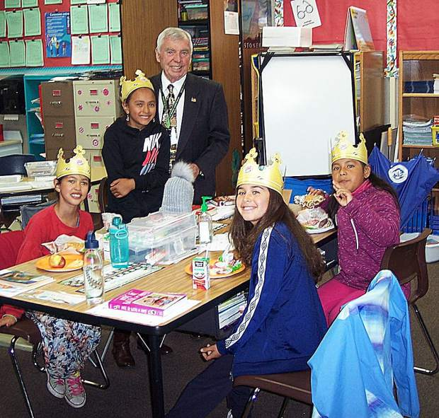 Nevada City entrepreneur Bob Larive shared with elementary school students his experience of introducing Burger King restaurant franchises to Europe in the 1970s.