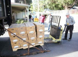 Pound for pound: Food ministry receives 800-pound Smart Chicken donation (PHOTO GALLERY/VIDEO)