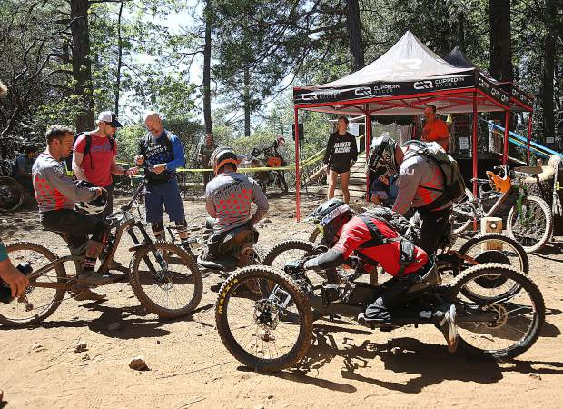 Team Semper Fi riders in upright and hand bikes, ready to hit the downhill trails of the TDS Enduro.