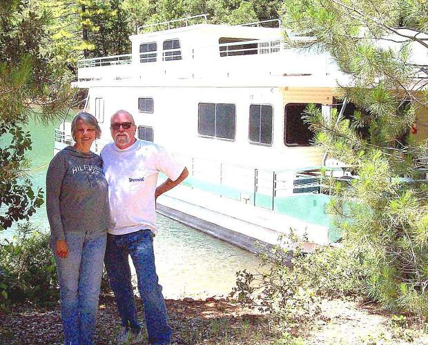 Karen and David Kipp say their week on a Lake Shasta houseboat was the best vacation they've ever had.