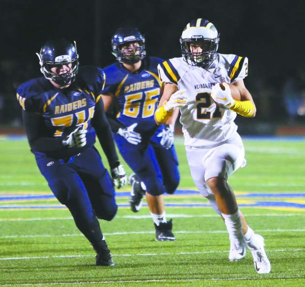 Nevada Union running back Jaxon Horne (21) is coming off a strong sophomore season in which he tallied 351 rushing yards, 303 receiving yards and scored seven total touchdowns.