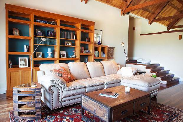 The addition of one color can transform a room, said color consultant Rachel Gamolsky, who owns Sundance Colors.