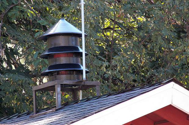The World War Two-vintage fire siren was refurbished and re-installed on the fire station roof.