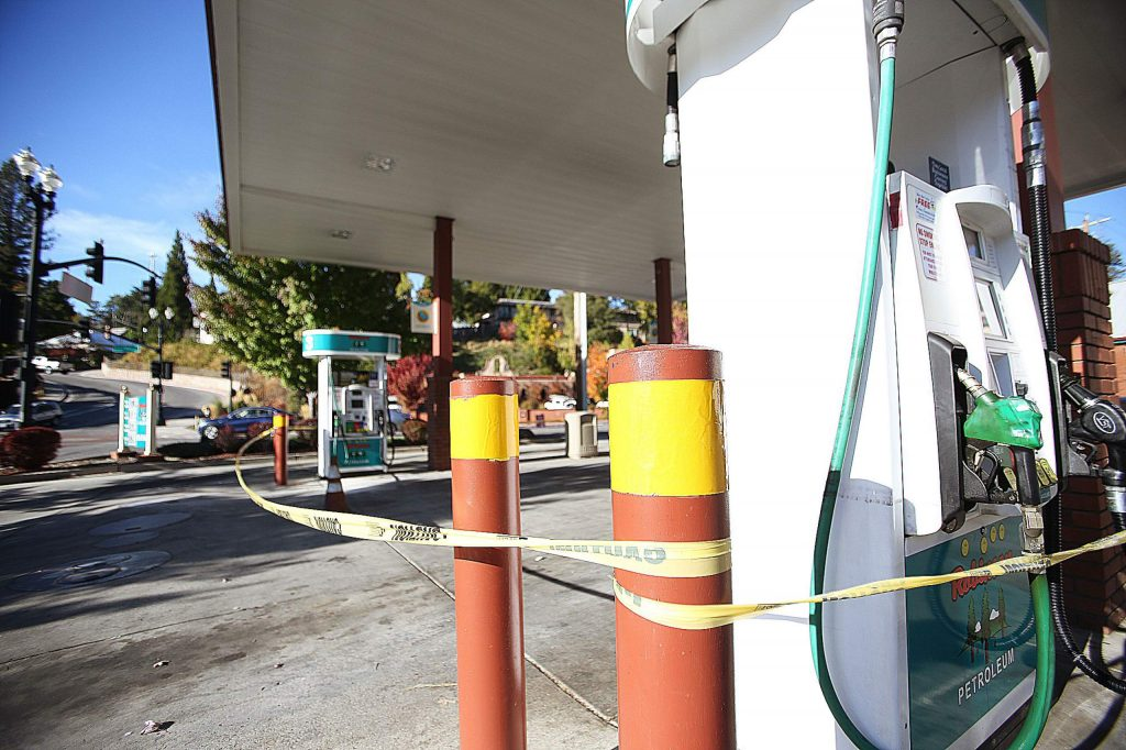 Robinson Enterprises Gas Station in downtown Grass Valley sits vacated following the shut off of power Wednesday. The Robinson gas station in Nevada City was one of the only stations to continue pumping gas following the shutdown two weeks ago.
