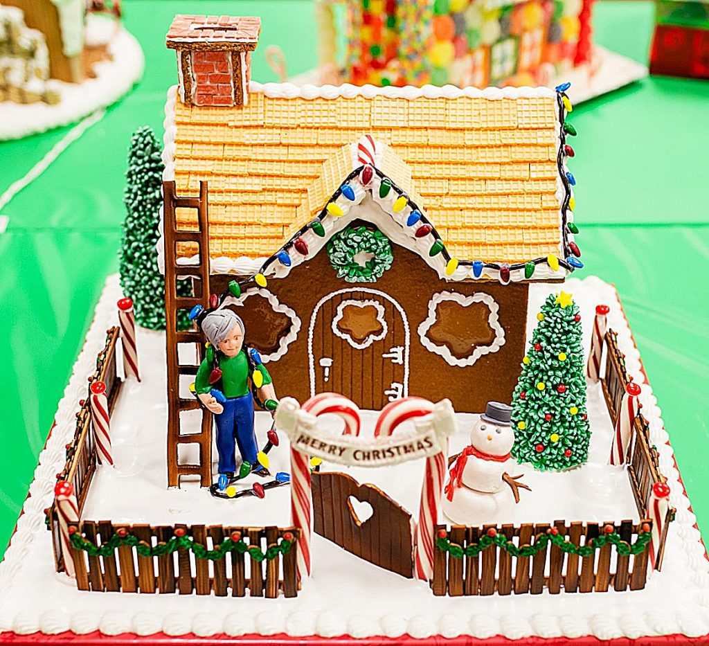 Gingerbread House Holiday Ornament Contests At The Country