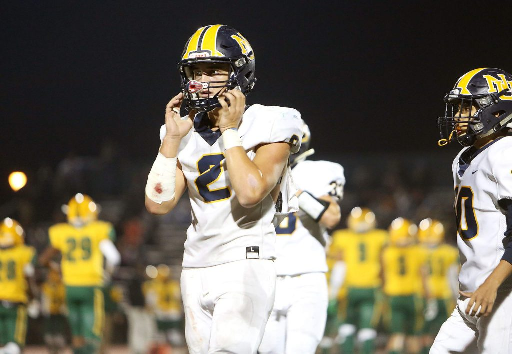 Miners starting quarterback Gabriel Baker battled through Friday's first round playoff loss to the Vanden Vikings.