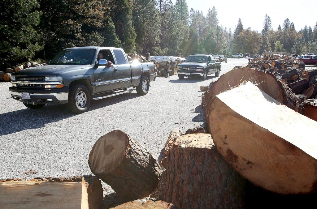 A majority of senior firewood clients are able to pick up or arrange for pick up of the allotted cord and a half of wood for each household. For the remaining 25% who cannot pickup their wood, volunteers are needed to help load and deliver firewood to those people.