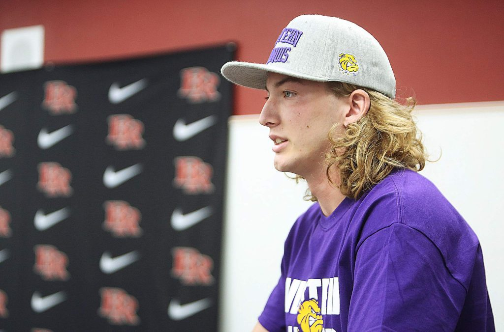 Tre Maronic talks about his plans for the future and thanked his coaches before signing his letter of intent to play college football at Western Illinois.