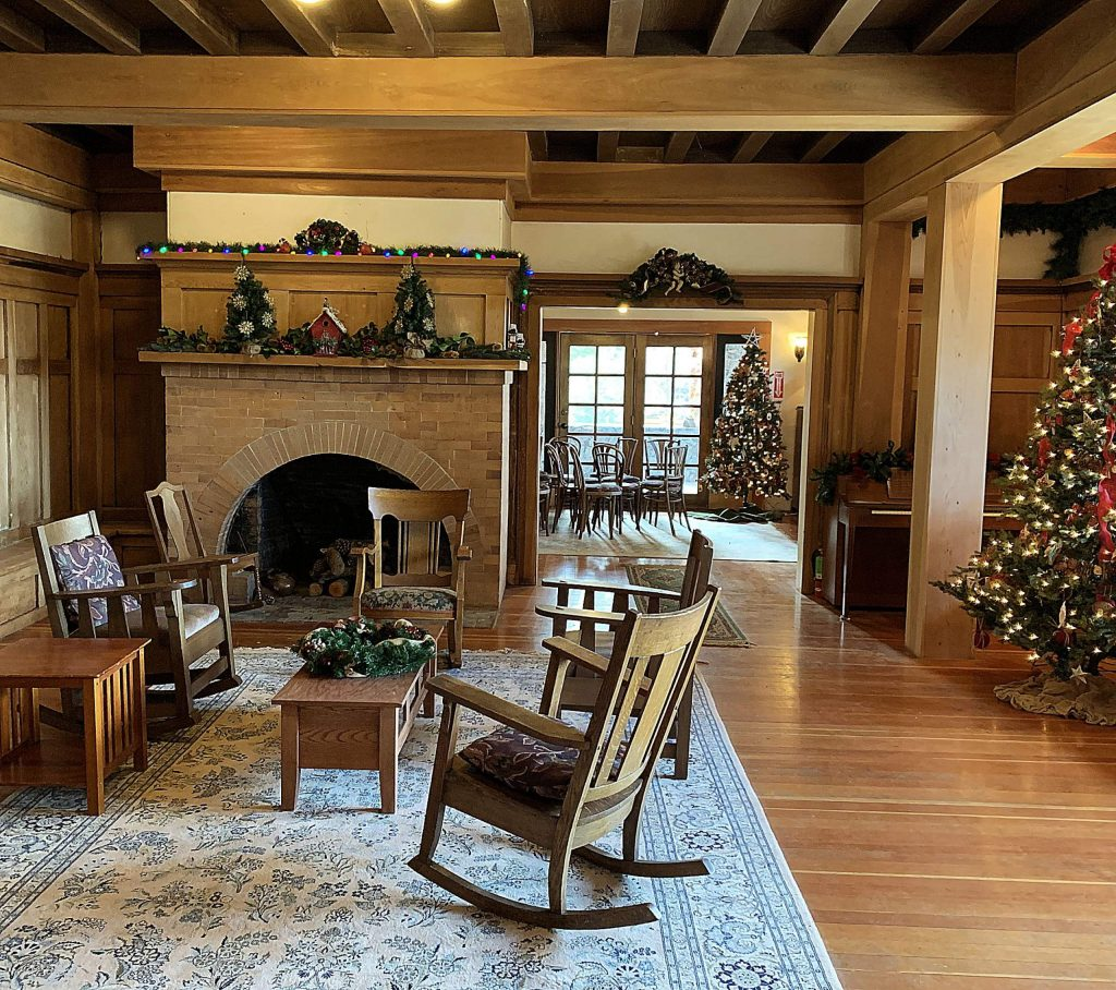"""North Star House Living room and Library, """"Deck the Halls""""!"""