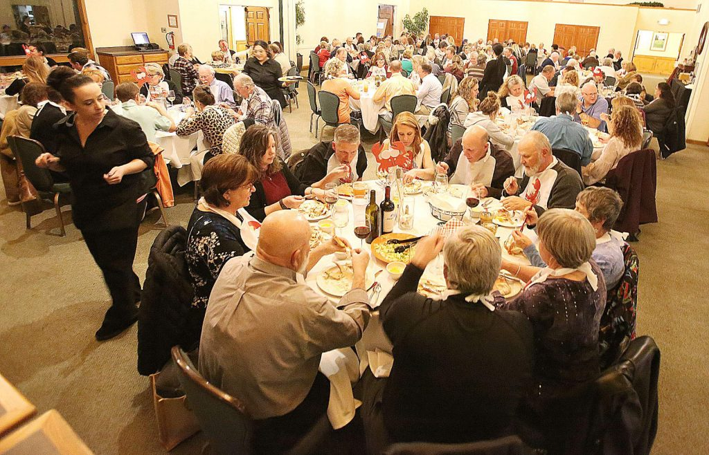 It was a full house Saturday evening for the annual Alta Sierra Country Club all you can eat Crab Feed.