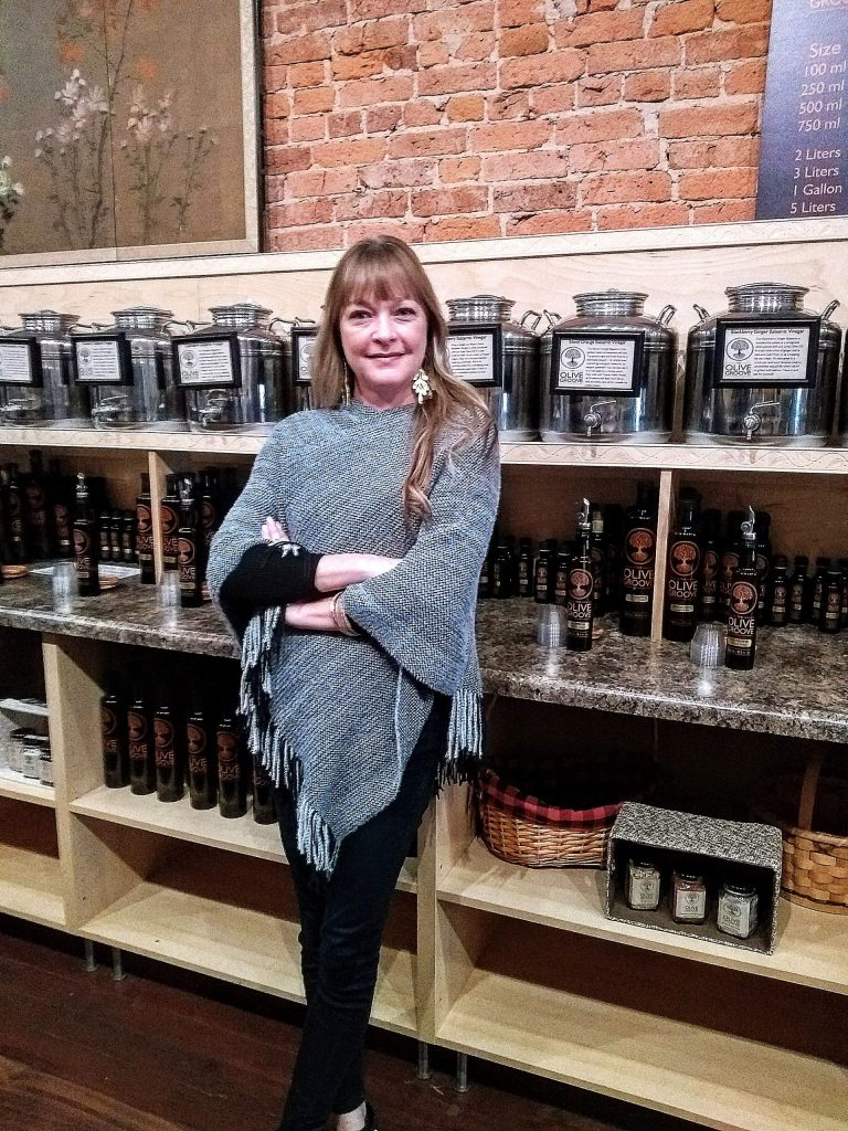 Certified as a Second Level Sommelier, olive oil expert; Christina trained at the UC Davis Olive Center. She also took several classes at the Olive Times in San Francisco.