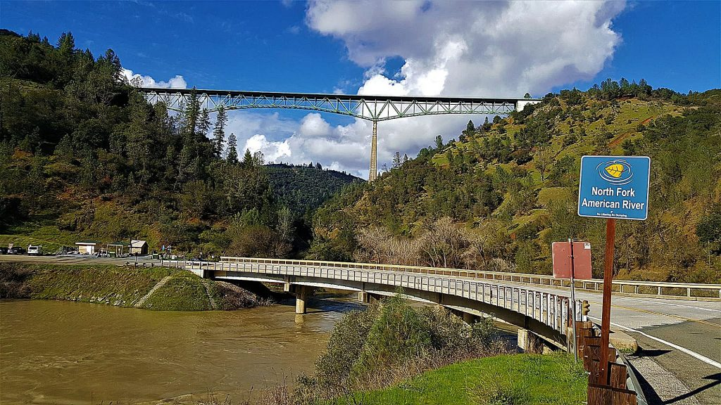 A view of the bridges spanning the American River along the Clementine Trail.