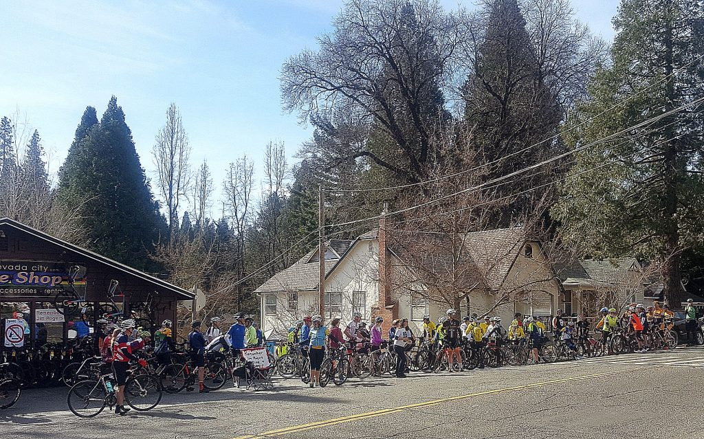 More than 100 bicycle riders and runners showed up for the 10th annual Jim Rogers Memorial Ride & Run Sunday morning to promote awareness of the dangers of distracted driving.