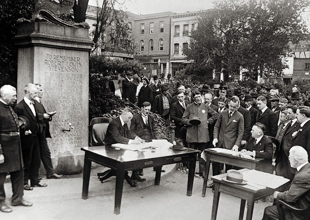 At the height of the 1918 Spanish flu pandemic, court in San Francisco was held outdoors, in Portsmouth Square, next to the memorial to Robert Louis Stevenson.