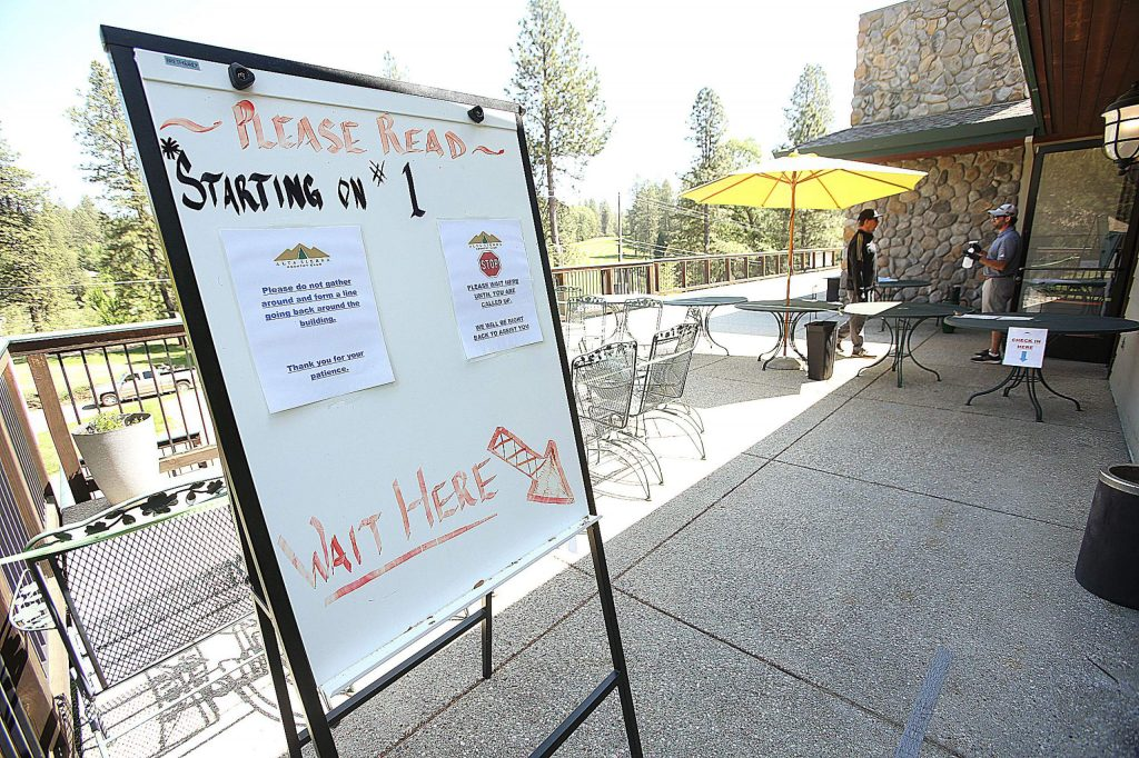 Social distancing guidelines are in place at Alta Sierra Country Club. Users are checked in outside and are asked to wait in certain areas before proceeding.