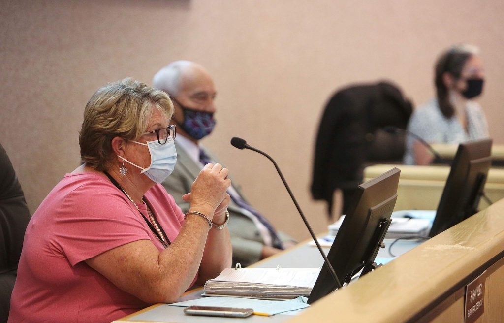 District 4 Supervisor Sue Hoek wears her face mask alongside the other supervisors, which had more space placed between them to comply with the social distancing measures.
