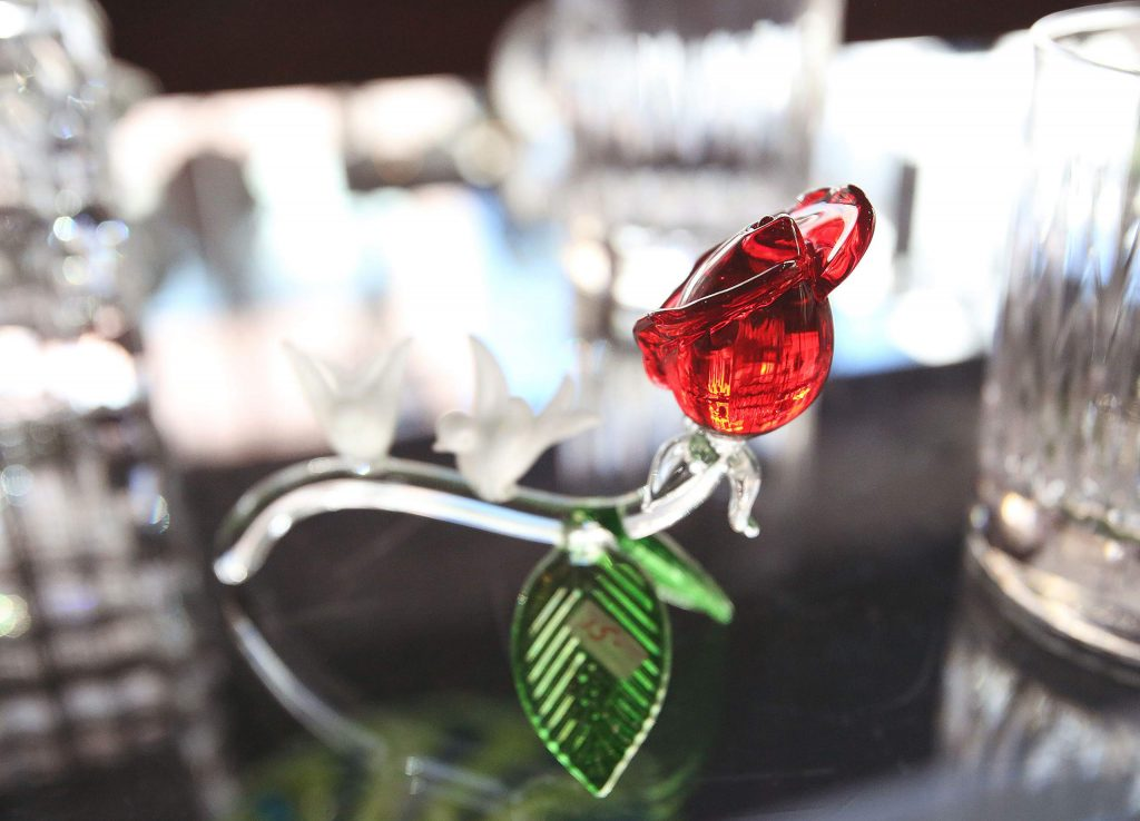 A crystal rose sits on display at Nevada City Crystal & Glass.