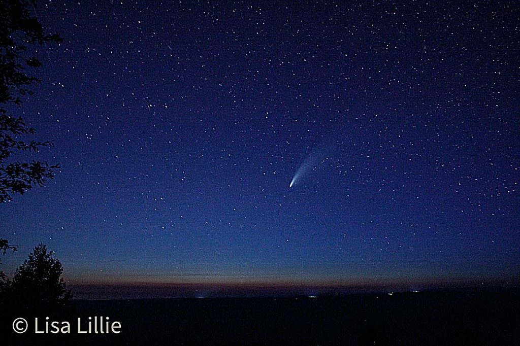 Comet NEOWISE from the Omega Lookout on Highway 20.