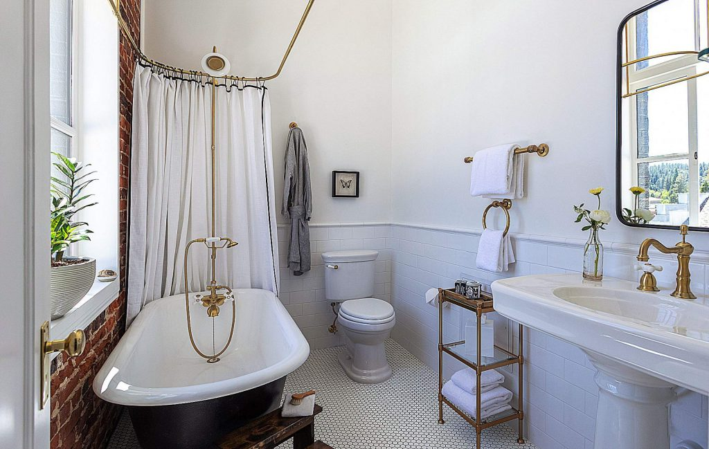 Guest rooms were also redecorated to feature an updated design theme while maintaining some original elements, such as the property's original claw-foot tubs in bathrooms.