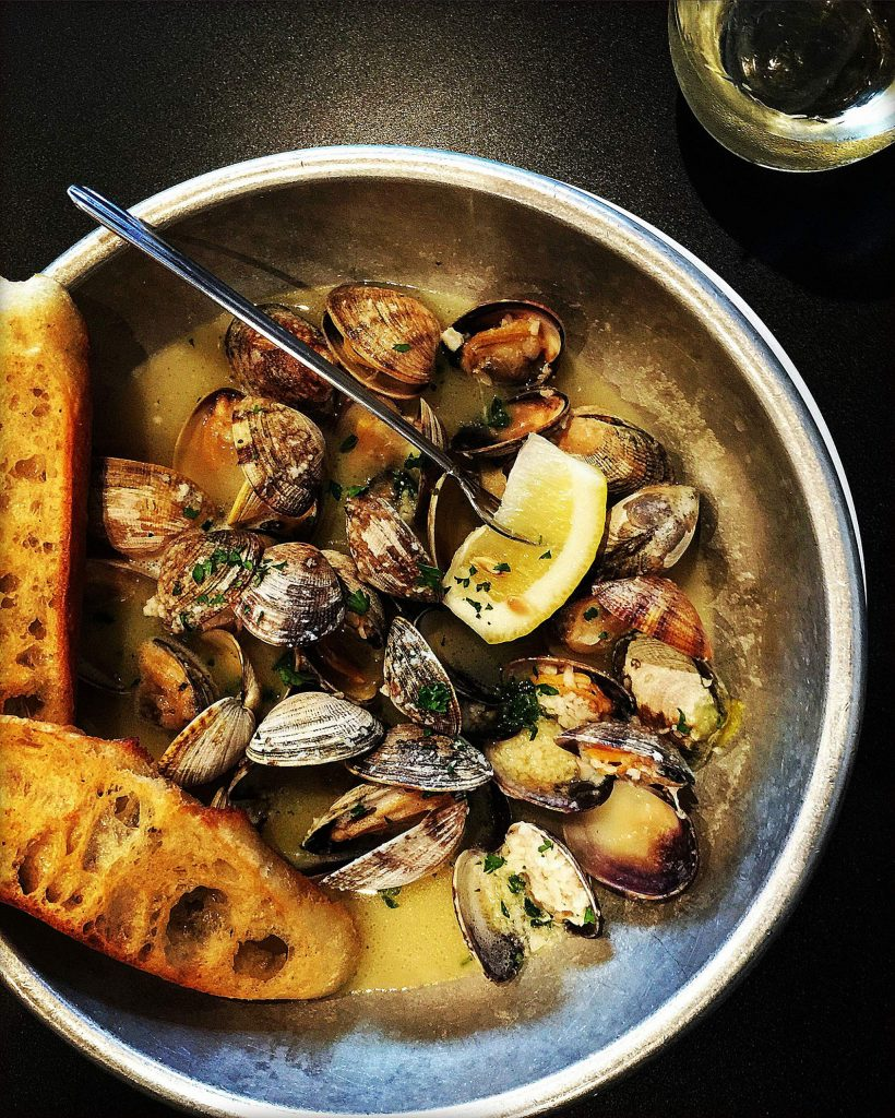 Littleneck clams are the preferred type of clam for this recipe. They are the smallest quahog clam, with sweet and tender meat. Depending on their size, one pound yields eight to 12 clams.