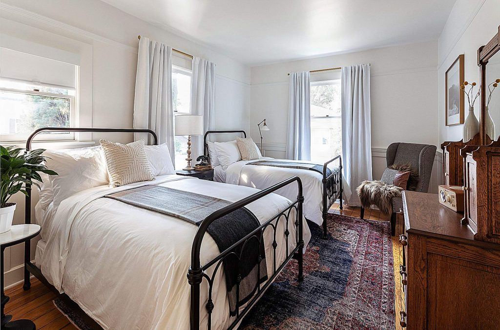 The Purcell House, a former livery stable, offers 11 rooms, many of them adjoining for groups that want to stay together.