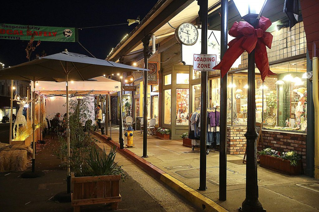 Many downtown Grass Valley establishments have created street side accommodations, including heat lamps, to help encourage local shopping.